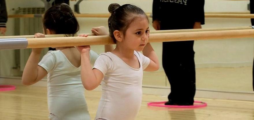 La Danza italiana cammina sulle gambe delle piccole scuole di danza